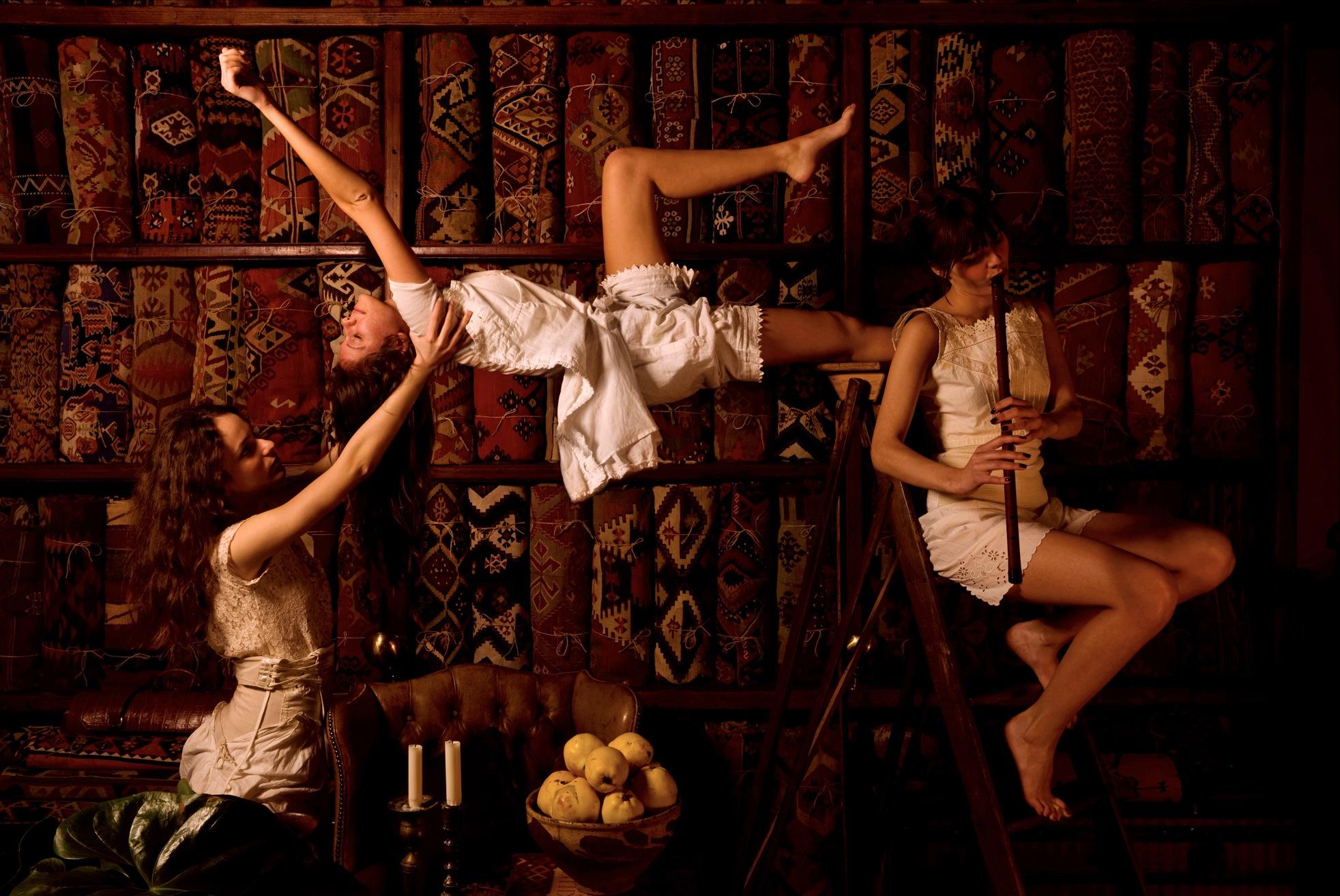 02 Magic Carpets (2010)
